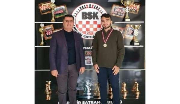 Yeni yılın satrançtaki ilk şampiyonları