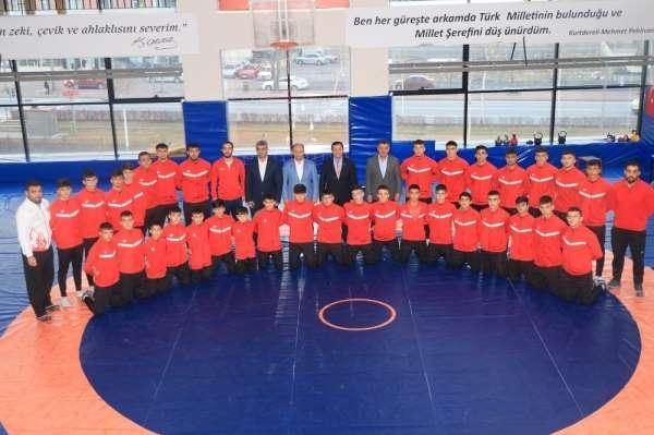 Kayserili güreşçiler Türkiye Şampiyonasına hazır