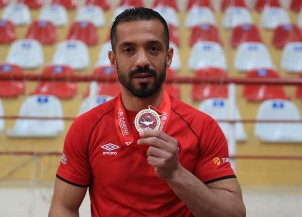 Pamukkaleli Fadi, 2021 Dünya Para Atletizm Grand Prixten altın madalyayla döndü