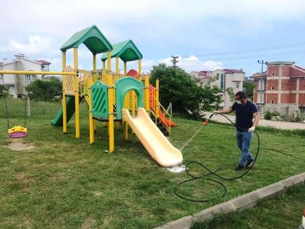Çocuk oyun parkları dezenfekte edildi