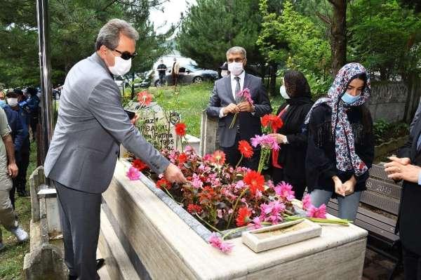 Şehit Nazif Topsakal mezarı başında anıldı
