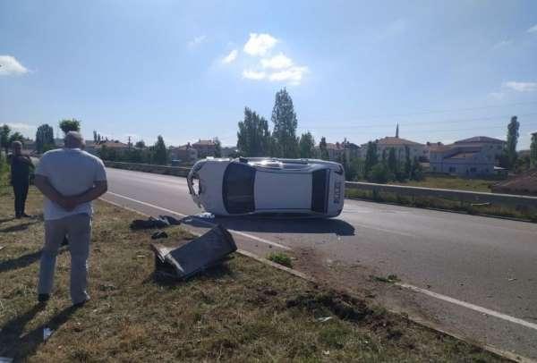 Yeni aldığı otomobiliyle ilk gün kaza yaptı