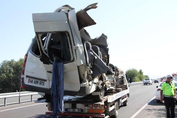 Elazığda 3 kişinin öldüğü kazada, sürücünün gözüne güneş gelmiş