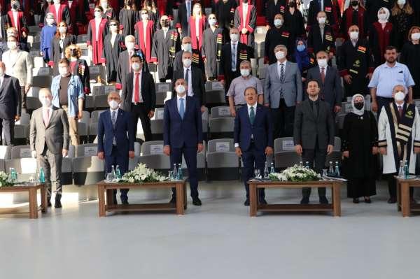 Hasan Kalyoncu Üniversitesinde 2021 mezunları kep attı