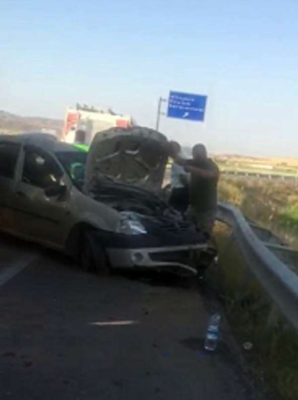 Sivas'ta trafik kazası:3 yaralı