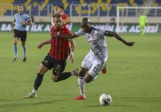 Süper Lig: Gençlerbirliği: 0 - Beşiktaş: 0 (İlk Yarı)