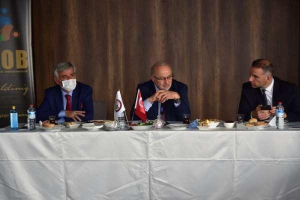 Rektör Ünal, yeni dönemdeki perspektifini Samsun'daki oda temsilcileriyle paylaş
