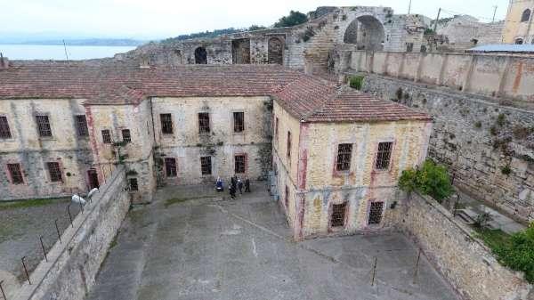 Sinop Tarihi Cezaevi'nde Roma dönemi kitabeleri bulundu