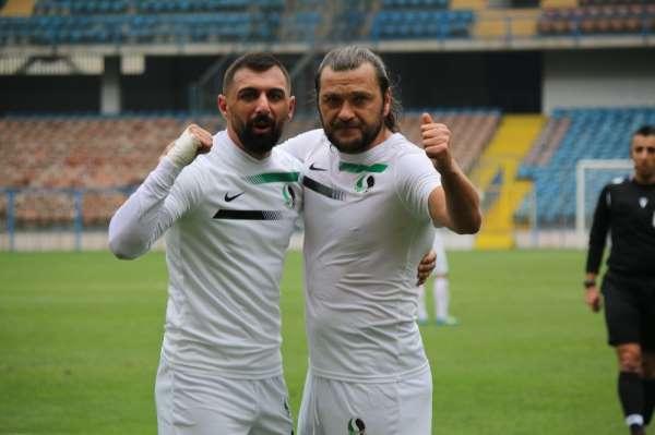 Sakaryaspor'un gol yükünü iki isim sırtladı