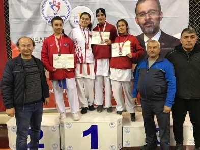 Kız karate takımı Türkiye finallerine katılma hakkı kazandı