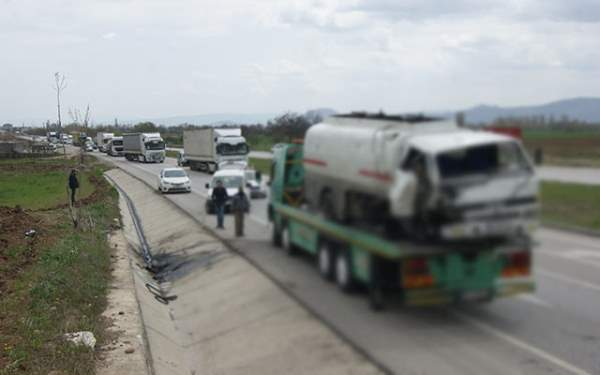 Samsun'da tanker şarampole devrildi