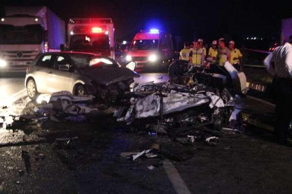 Feci kazada aynı aileden 3 kişi öldü, 1 kişi yaralandı