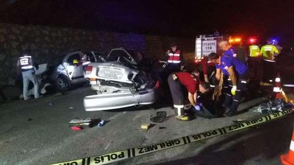 Trafik kazasında Biri uzman çavuş 2 kişi hayatını kaybetti