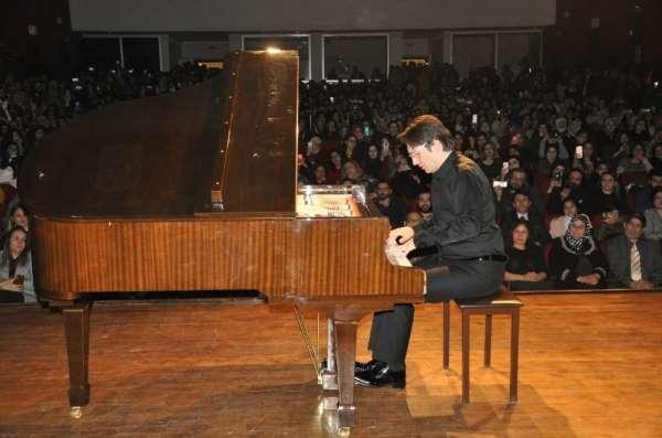 Artuklu Üniversitesi'nde piyano resitali
