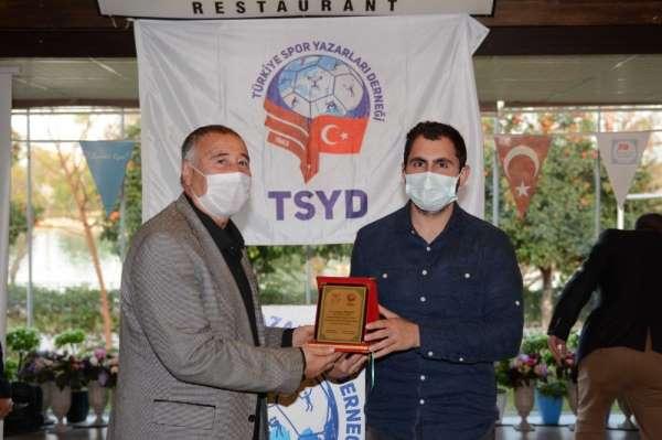 İHA muhabiri Umutcan İşledici 'En İyi Görüntü' dalında ödülünü aldı
