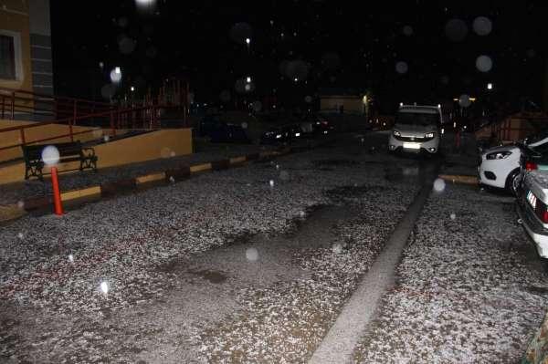 Aniden bastırdı, vatandaşlar arabalarına koştu