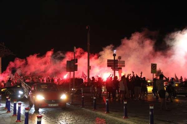Altaylı taraftarlar Süper Ligi kutladı