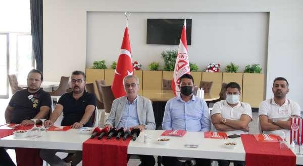 Antalyasporda Başkan Yılmaz görevi bıraktı
