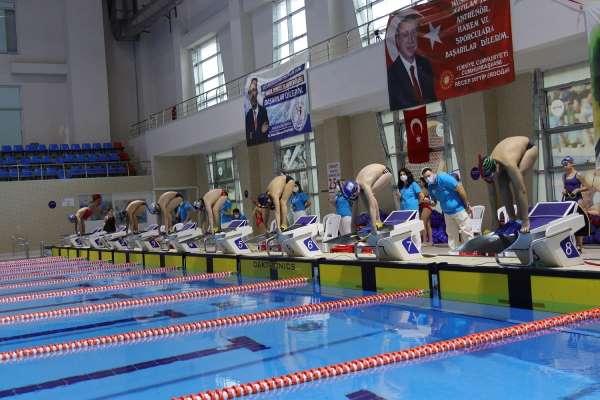 TSSF Paletli Yüzme Bireysel Açık Yaş Türkiye Şampiyonası İstanbulda başlıyor