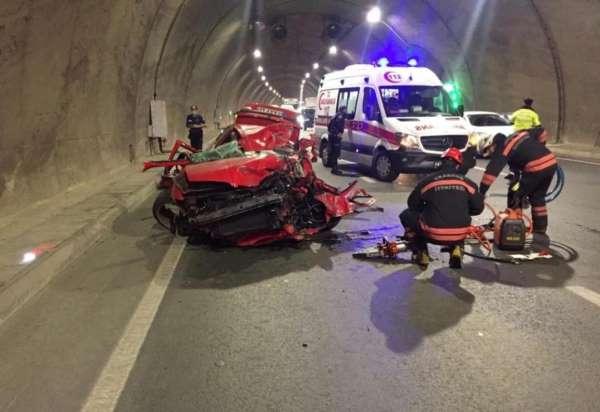 Tünel içinde aşırı hız kazayla sonuçlandı: 1 ağır yaralı