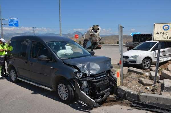 Bir gün arayla aynı yerde ikinci kaza: 4 yaralı