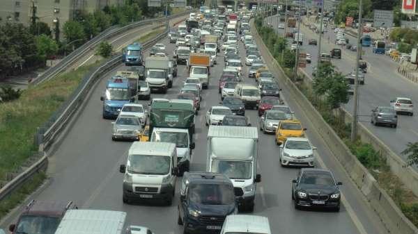 D-100 karayolu trafiğini felç eden intihar girişimi