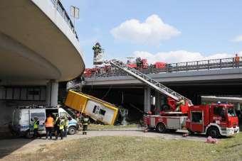 Polonya'daki otobüs kazasında şoför uyuşturucu etkisi altındaydı