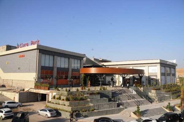 Cizre'nin ilk AVM'si hizmete açıldı