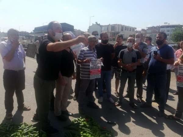Pazarcı esnafı Ünye Belediyesini protesto edip tezgah açmadı