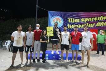 Cumhuriyet Plaj Voleybolu Turnuvasının kazananları belli oldu