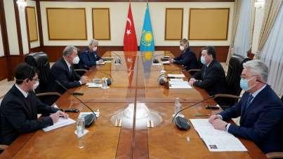 Milli Savunma Bakanı Akar, Kazakistan Başbakanı Mamin ile görüştü