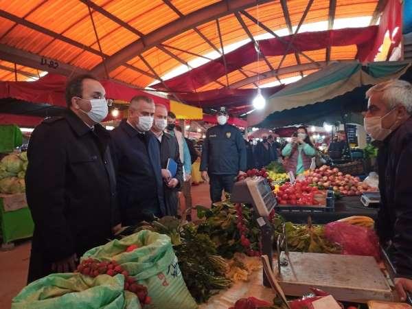 Bafra'da pazar yerlerinde korona virüs denetimleri