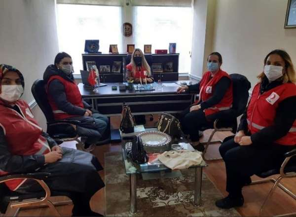 Ünye'de Kızılay kadınlara emanet