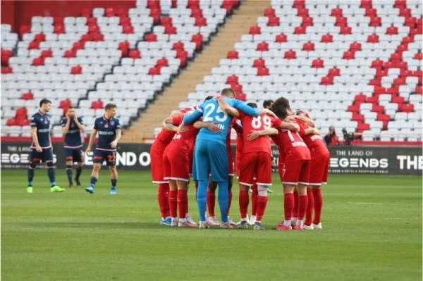 Antalyaspor ligde 13 beraberliğini aldı