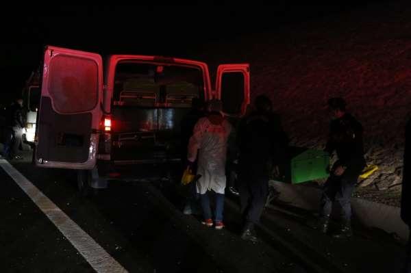 Kocaelideki feci kazada ölen Fahri Başkonsolos ile 2 kişinin cenazesi morga kaldırıldı