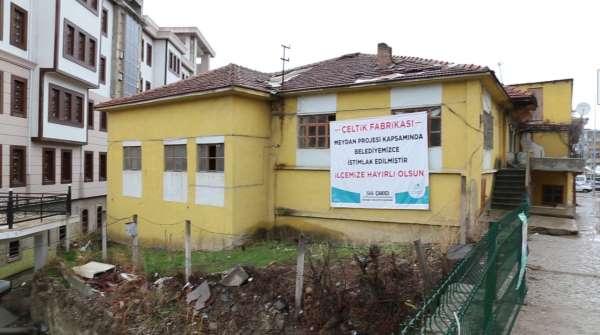 Çeltik fabrikası yıkım çalışmaları başladı