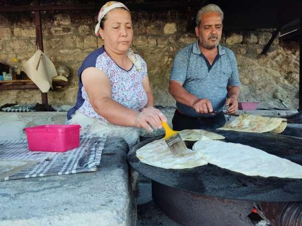 Hataylı kadınların geçim kaynağı sac ve tandır ekmeği
