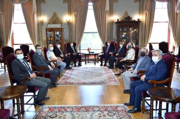 Rektör Karacoşkun İstanbul Üniversitesi Rektörü Çapak ile bir araya geldi