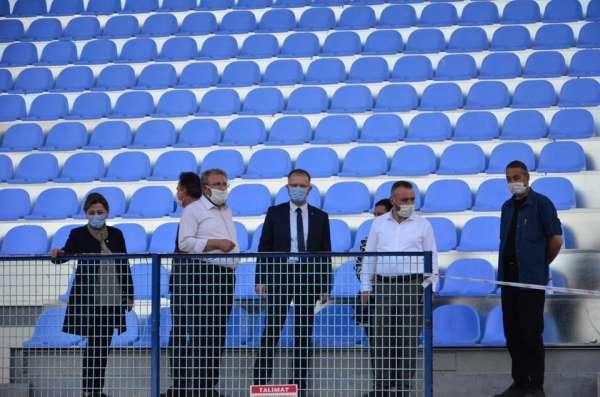 AK Parti heyeti Dumlupınar Stadyumu'nda incelemelerde bulundu