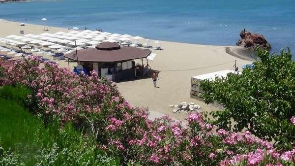 Sokağa çıkma yasağına genelde turistlerde uydu sahiller boş kaldı