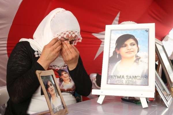 18 bayramdır teröristlerin kaçırdığı evladının yolunu gözlüyor