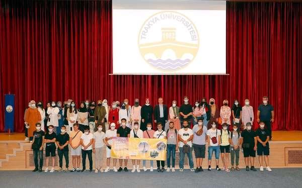 Anadolu ve Avrupadan gelen gençler Trakya Üniversitesinde buluştu