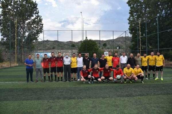 İskilipte halı saha futbol turnuvası start aldı