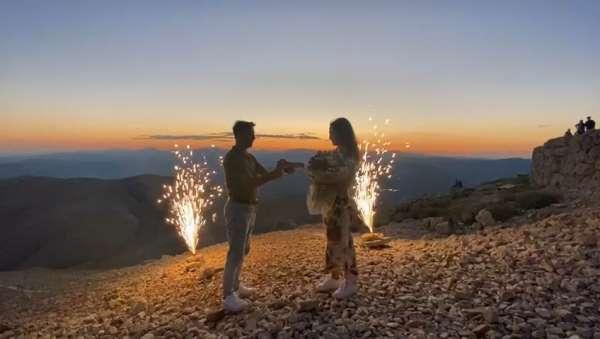 Nemrut Dağında evlenme teklifi