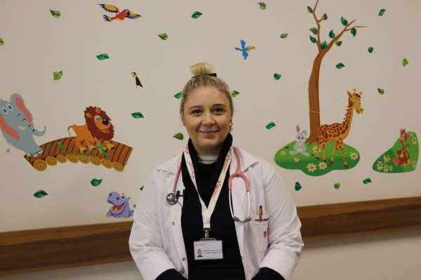 Dr. Çebi: 'Bebeğiniz ile iletişim kurmak için konuşmanız gerekmez'