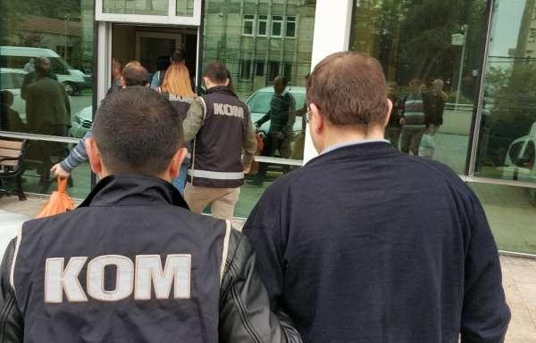 FETÖ'den 1 avukat ve 3 ihraç komisere adli kontrol