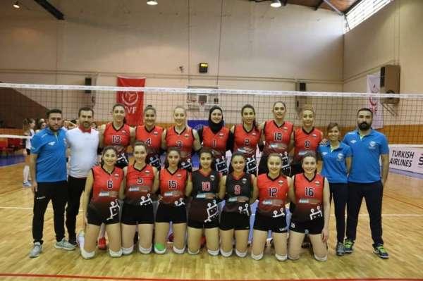 Kayseri OSB Teknik Koleji Antrenörleri Harun Şahin Seher Şahin: