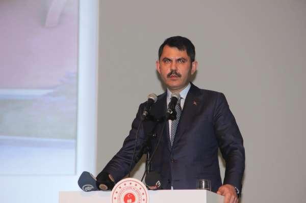 Bakan Kurum, Depremle mücadeleyi, terörle mücadele kadar önemli görüyoruz
