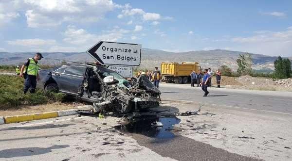 Sürücülerin ölüm kavşağı dediği kavşakta feci kaza: 1 ölü, 3 ağır yaralı