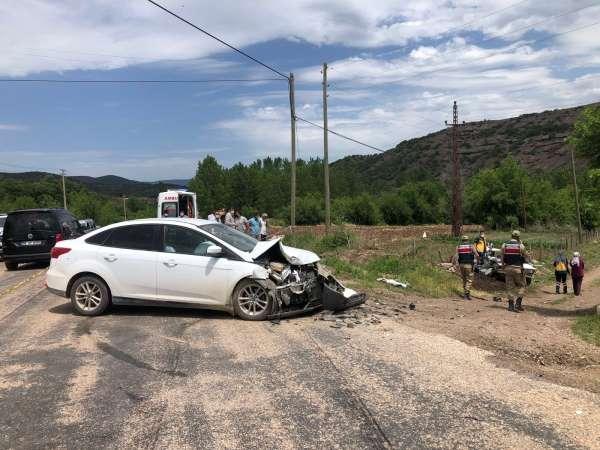 Tokatta iki otomobil çarpıştı: 1 ölü, 4 yaralı